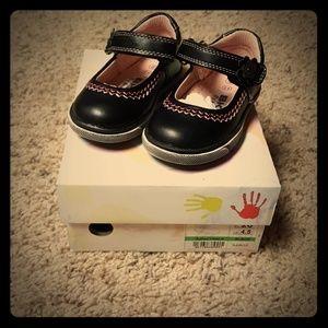 Beeko baby girl dressy shoes size 4.5